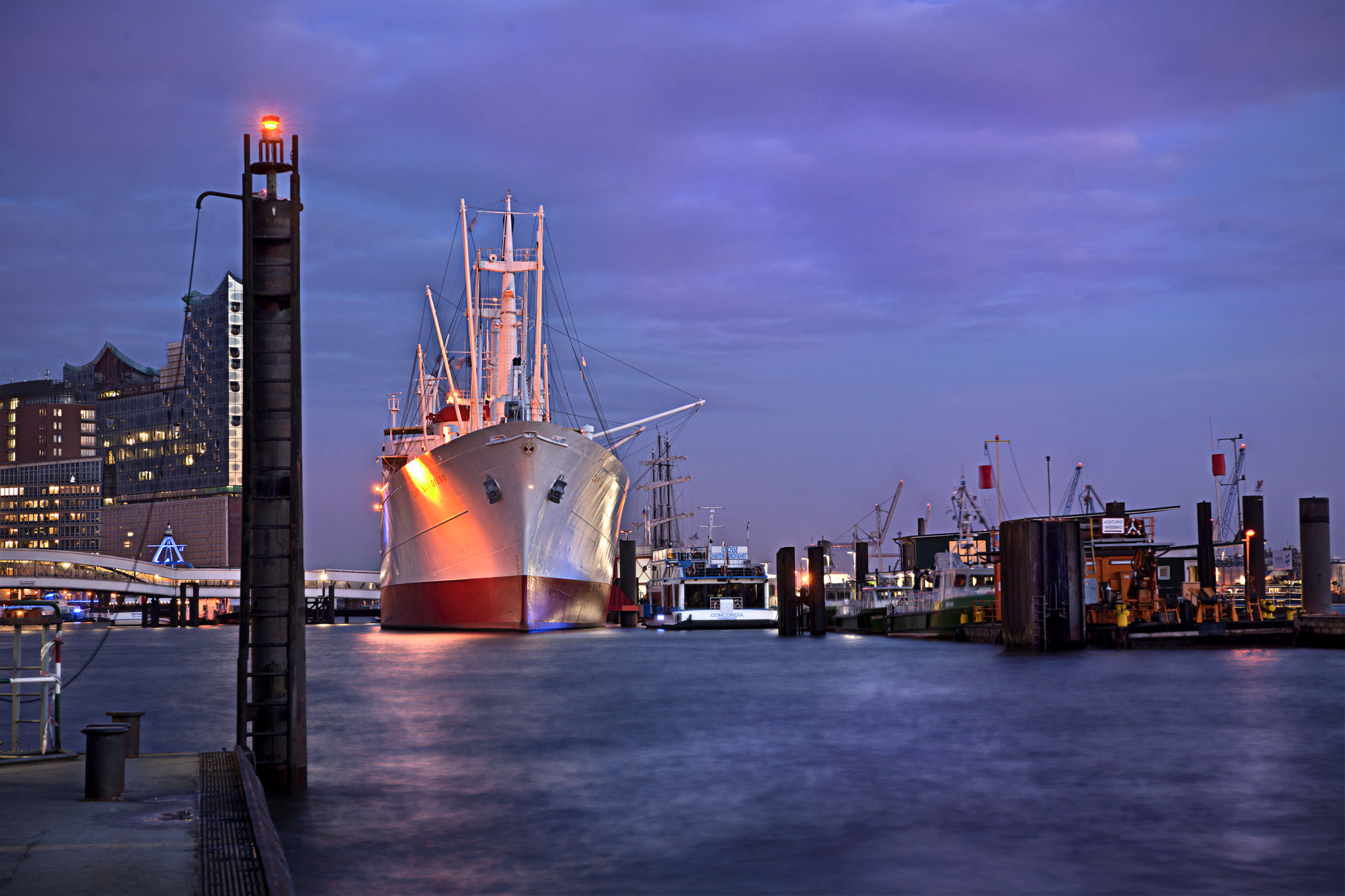 Hamburger Hafen / MS San Diego 2012